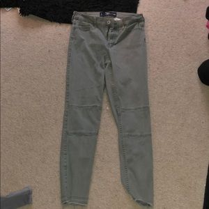 Green Hollister crop skinny jeans